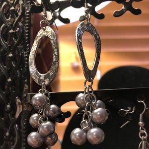 Jewelry - BOHO Silvery earrings grey pearl.